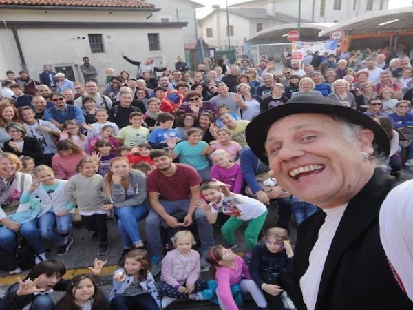 """Doppio appuntamento di """"pura"""" magia con Herbert Hörbi Kull nel teatrino di Blink"""